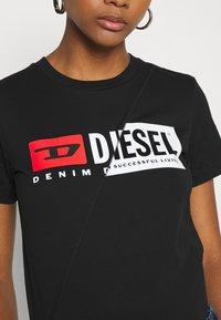 Diesel - SILY CUTY - Print T-shirt - black - 5