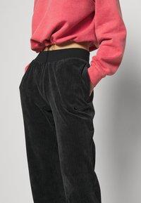 Nike Sportswear - PANT - Tracksuit bottoms - black - 6