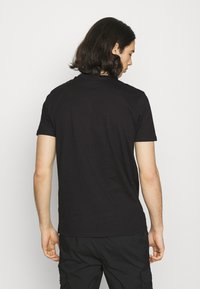Ellesse - GLISENTA TEE - Print T-shirt - black - 2