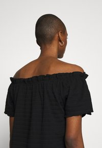 Cream - TORI - Basic T-shirt - pitch black - 3