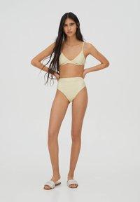 PULL&BEAR - MIT BLUMEN - Bikini bottoms - yellow - 1
