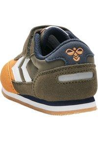 Hummel - REFLEX INFANT - Baskets basses - black olive - 4
