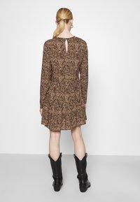 Even&Odd - SHORT CREW NECK - Day dress - black/beige - 2