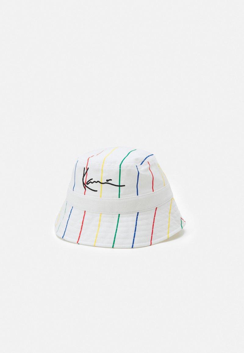 Karl Kani - SIGNATURE PINSTRIPE BUCKET HAT UNISEX - Hat - white