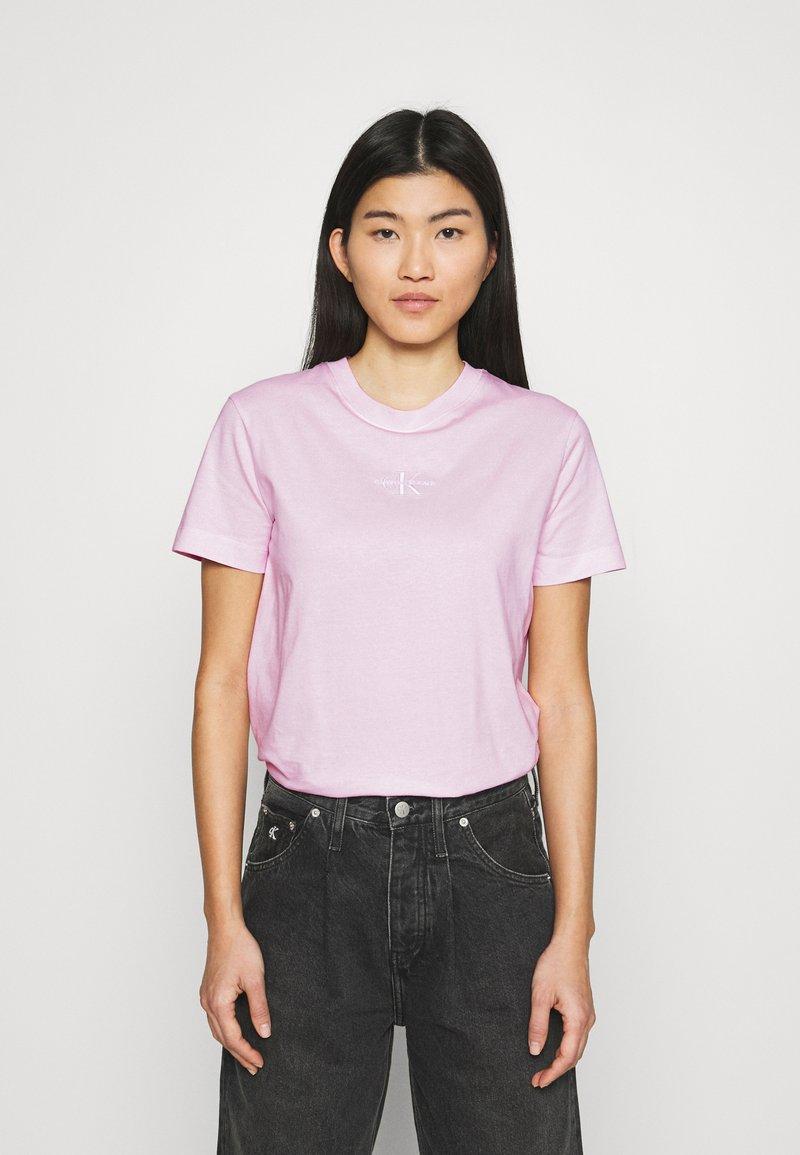 Calvin Klein Jeans - MONOGRAM LOGO TEE - T-shirt basique - pearly pink/quiet grey