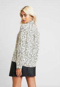 Vero Moda Petite - VMAFIA BOW - Button-down blouse - pistachio shell - 2