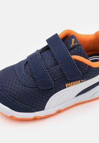 Puma - STEPFLEEX 2 UNISEX - Scarpe da fitness - peacoat/white/vibrant orange - 5