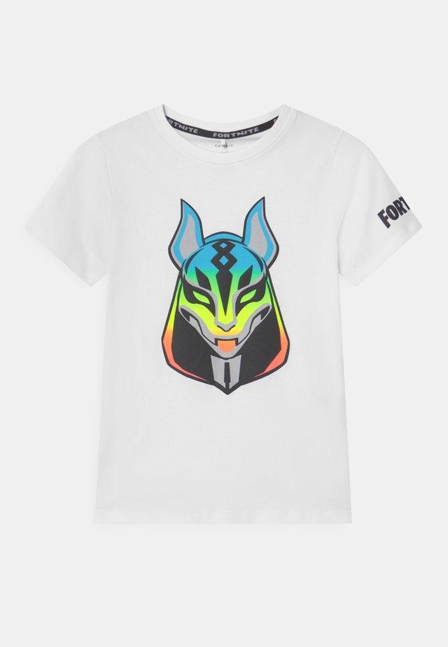 NKMFORTNITE - Camiseta estampada - white
