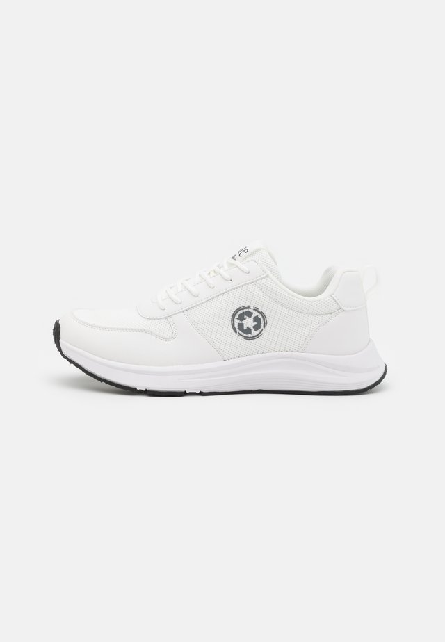 JORDAN VEGAN  - Matalavartiset tennarit - white