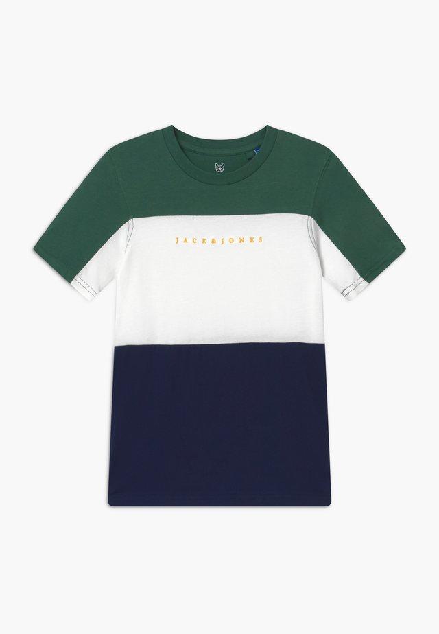 JORPRO TEE CREW NECK - T-shirt con stampa - trekking green