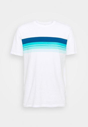 CREW CHEST STRIPE - Print T-shirt - white global