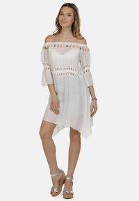 IZIA - IZIA KLEID - Day dress - white - 2