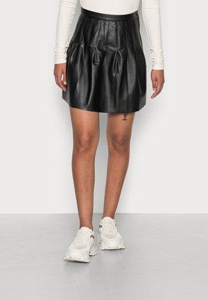 PLEATED SKIRT - Jupe plissée - black