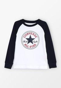Converse - CHUCK PATCH RAGLAN  - Bluzka z długim rękawem - white - 0