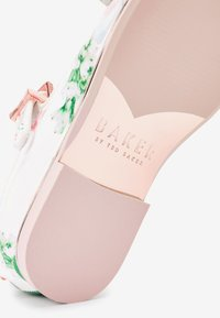 Next - BAKER BY TED BAKER - Ballet pumps - white - 3
