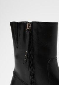Paloma Barceló - CLERMONT - Kotníkové boty na platformě - black - 4