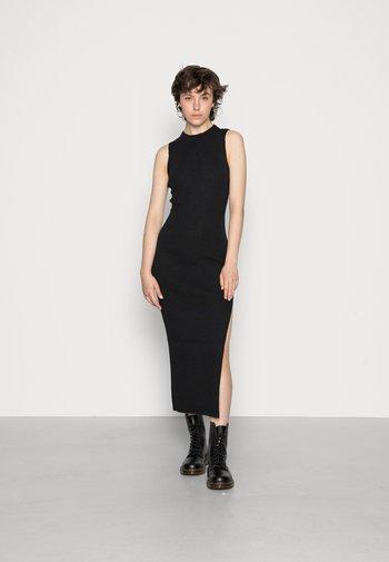ANOUK MIDI DRESS - Strikket kjole - black