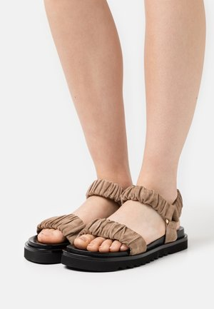 Sandals - desert