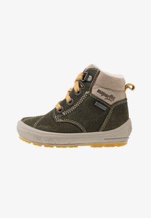 GROOVY - Winter boots - grün/beige/gelb