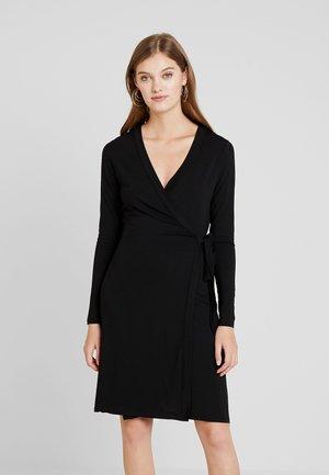 ANETTA - Žerzejové šaty - black
