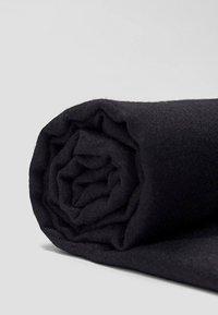 Stradivarius - SOFT-TOUCH - Sjal / Tørklæder - black - 4