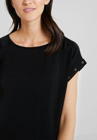 s.Oliver - Basic T-shirt - black - 4