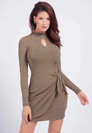 NURSELI  - Shift dress - braun