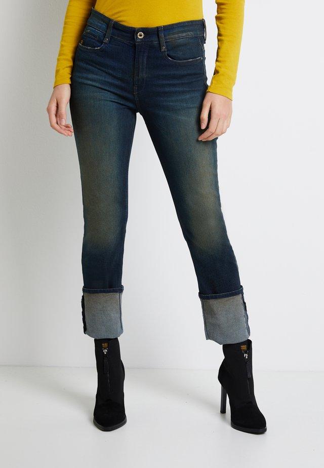 NOXER HIGH STRAIGHT - Straight leg jeans - antic blight green