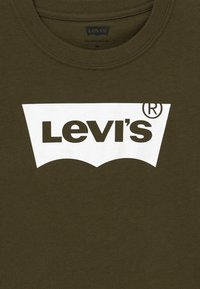 Levi's® - BATWING TEE - T-shirt imprimé - olive night - 3