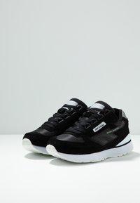 Hi-Tec - SHADOW - Chaussures d'entraînement et de fitness - black/cool grey - 2