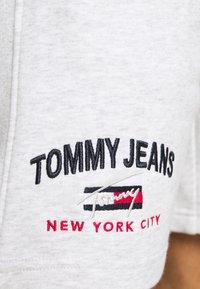 Tommy Jeans - TIMELESS - Shorts - grey - 4