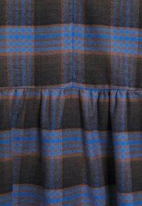 Libertine-Libertine - ALLEY DRESS - Denní šaty - royal blue check - 5