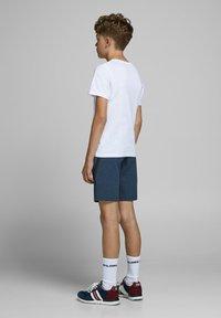 Jack & Jones Junior - Shorts - china blue - 3