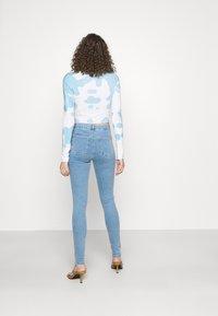 Topshop - JONI - Jeans Skinny Fit - bleach - 2