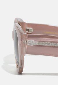A.Kjærbede - BIG WINNIE - Sunglasses - light grey - 2