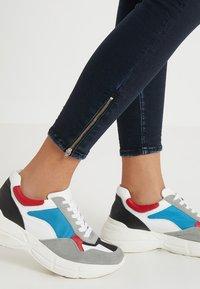 Le Temps Des Cerises - Jeans Skinny Fit - black/blue - 3