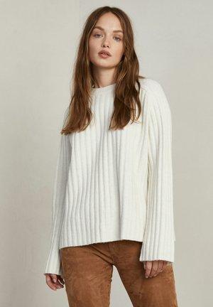 INES - Stickad tröja - white melange