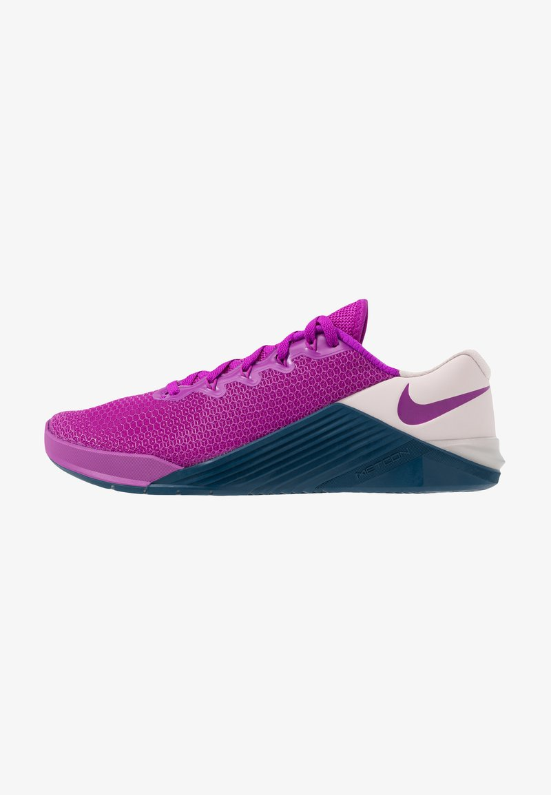 Nike Performance - METCON 5 - Zapatillas de entrenamiento - vivid purple/valerian blue/barely rose
