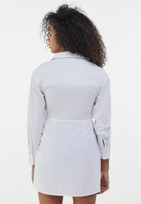 Bershka - Robe d'été - white - 2