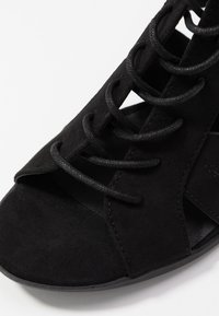 New Look - PELICAN - Sandalias tobilleras - black