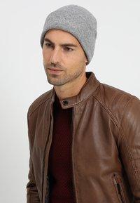 Calvin Klein - CASUAL BEANIE - Bonnet - grey - 1