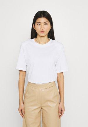 JENNA - Jednoduché triko - white