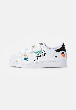 SUPERSTAR PURE  - Sneakers laag - ftwr white/core black/gold met