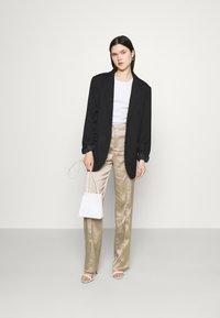 Missguided - STRAIGHT LEG TROUSER - Kalhoty - grey - 1
