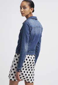 Noisy May - NMDEBRA  - Denim jacket - medium blue denim - 2