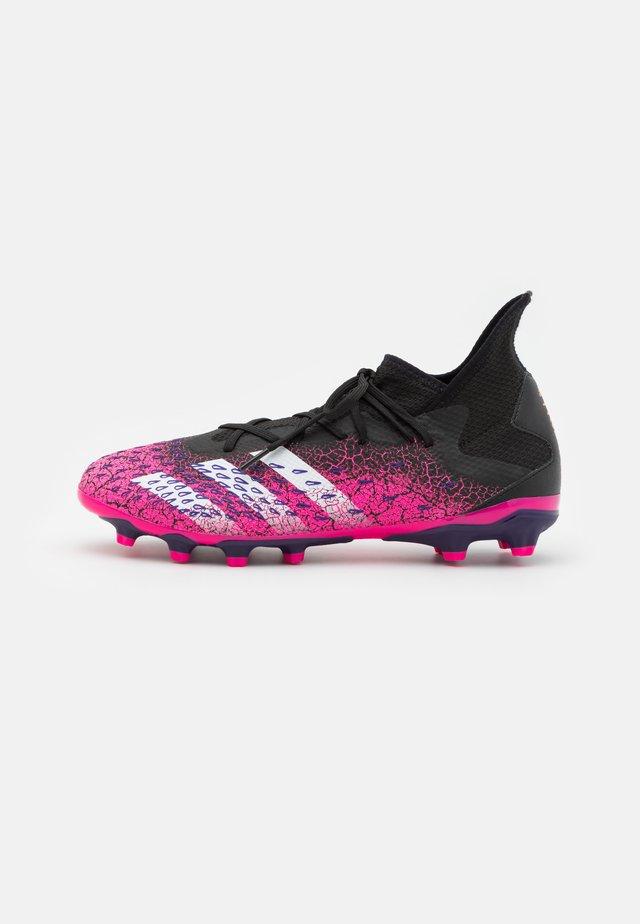 PREDATOR FREAK .3 MG - Voetbalschoenen met kunststof noppen - core black/footwear white/shock pink