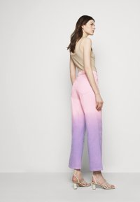 Olivia Rubin - LYNNIE - Straight leg jeans - lilac pink ombre - 4
