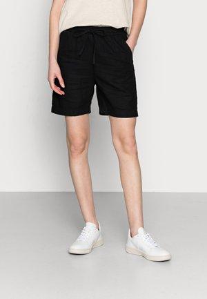 GILLIAN - Shorts - black