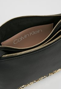 Calvin Klein - MUST CROSSOVER - Across body bag - black - 4
