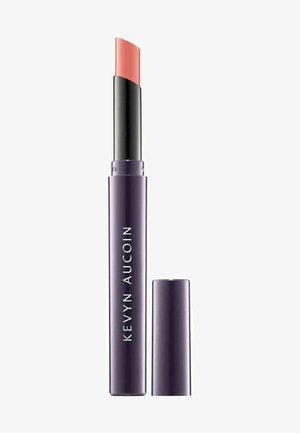 KEVYN AUCOIN LIPPENSTIFT UNFORGETTABLE LIPSTICK - SHINE - SUSPIC - Lipstick - -
